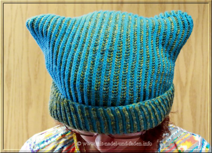 Brioche Kitty Hat in Blau